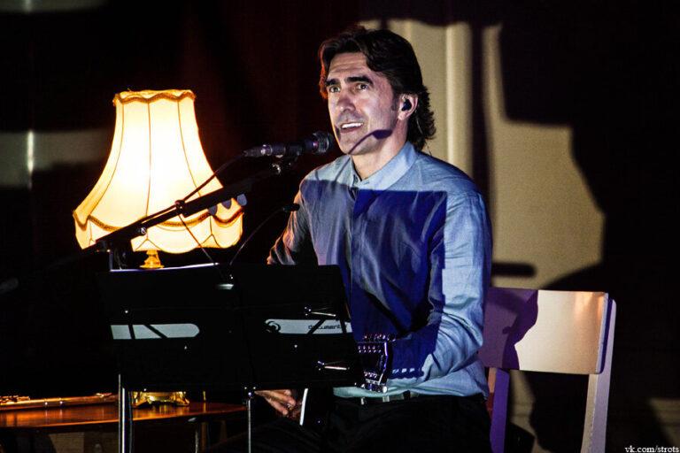 В Петербургской филармонии пройдет акустический концерт Вячеслава Бутусова