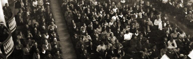 Концерт, как 100 лет назад и вариации Шопена: чем отметилась Петербургская филармония на этих выходных?