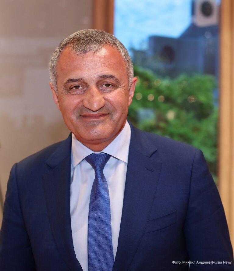 Президент Южной Осетии надеется посетить матчи «Евро-2021» в Петербурге