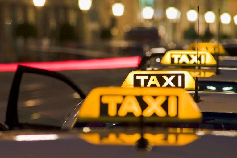 В Петербурге ограничивают работу такси