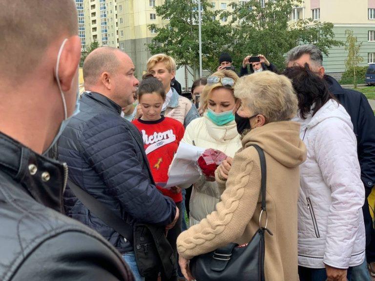 Жители Красносельского района пожаловались Булановой на власти