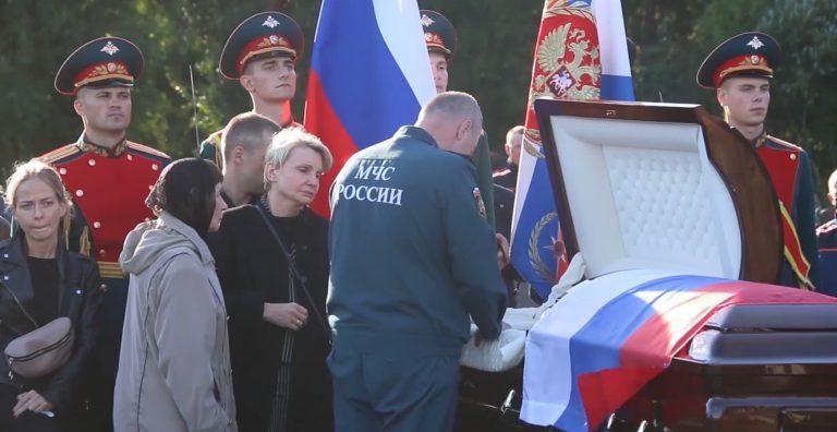 В Петербурге проводили в последний путь Героя России Евгения Зиничева