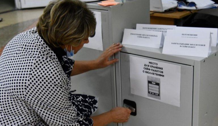 На УИКах Петербурга продолжают «пропадать» сейфы