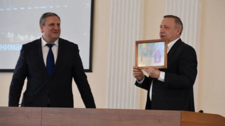 Губернатор Санкт-Петербурга вызвал «кадровый голод» в правительстве, считает Шугалей