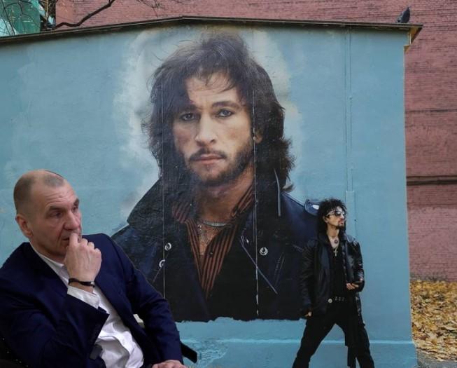 Максим Шугалей выступил в защиту граффити с изображением певца Игоря Талькова