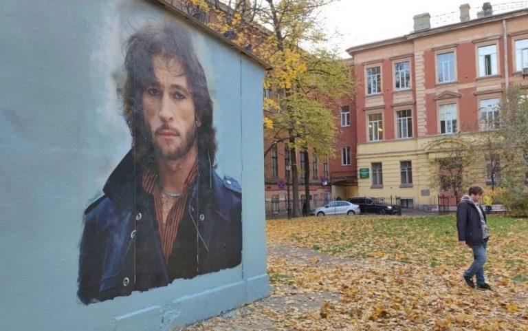 В «Ленэнерго» заявили, что портрет Талькова все равно будет закрашен