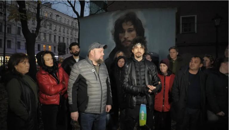 Коммунистическая организация Северной столицы поможет Талькову младшему отстоять портрет отца